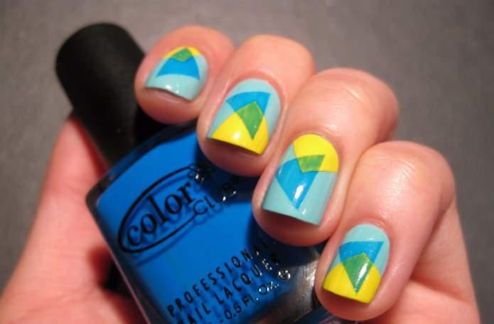 треугольники разных цветов