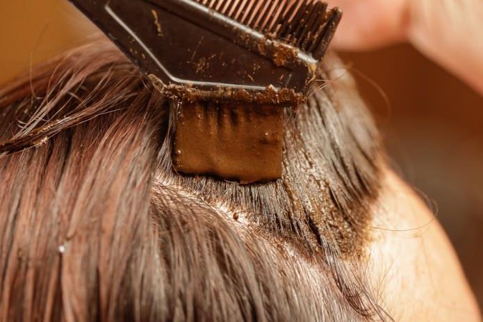 Красим волосы в домашних условиях 137